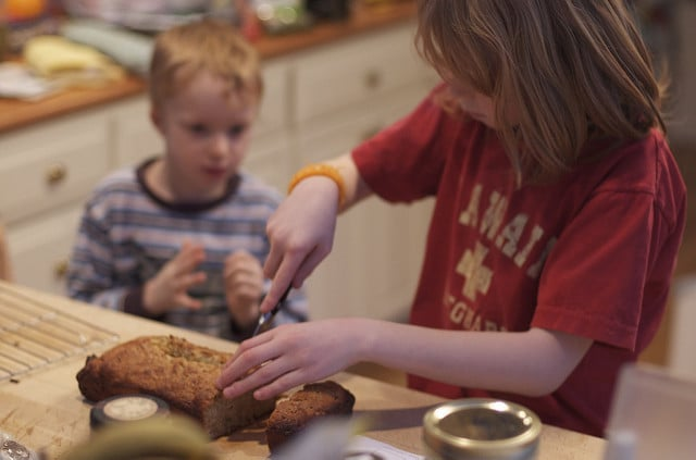 kids slicing bread