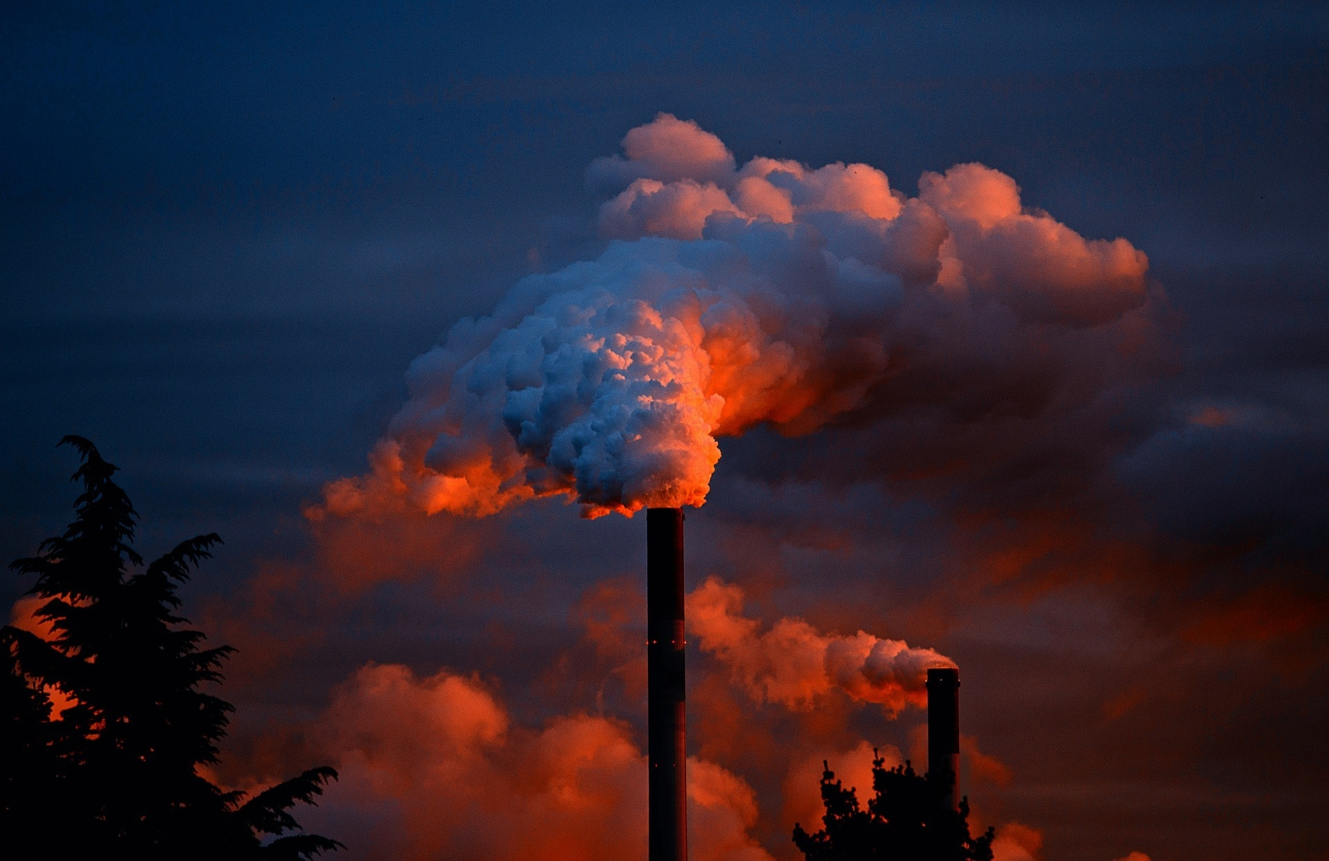 Factory emitting greenhouse gases and air pollution