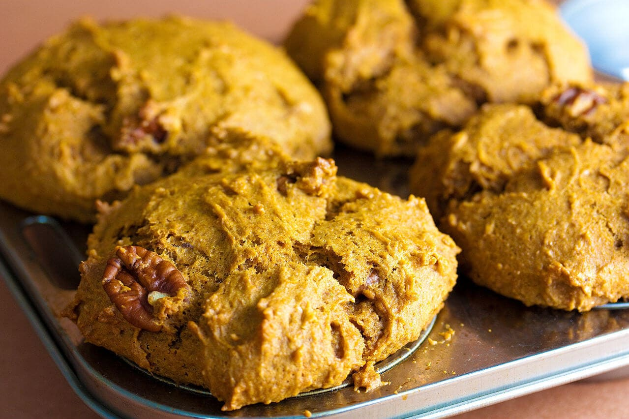 Get the flavors of pumpkin pie in healthy, nutritious muffins.