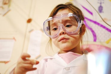 Finding out what motivates your child to learn can be as easy as testing a few different science experiments, like this chemistry activity.