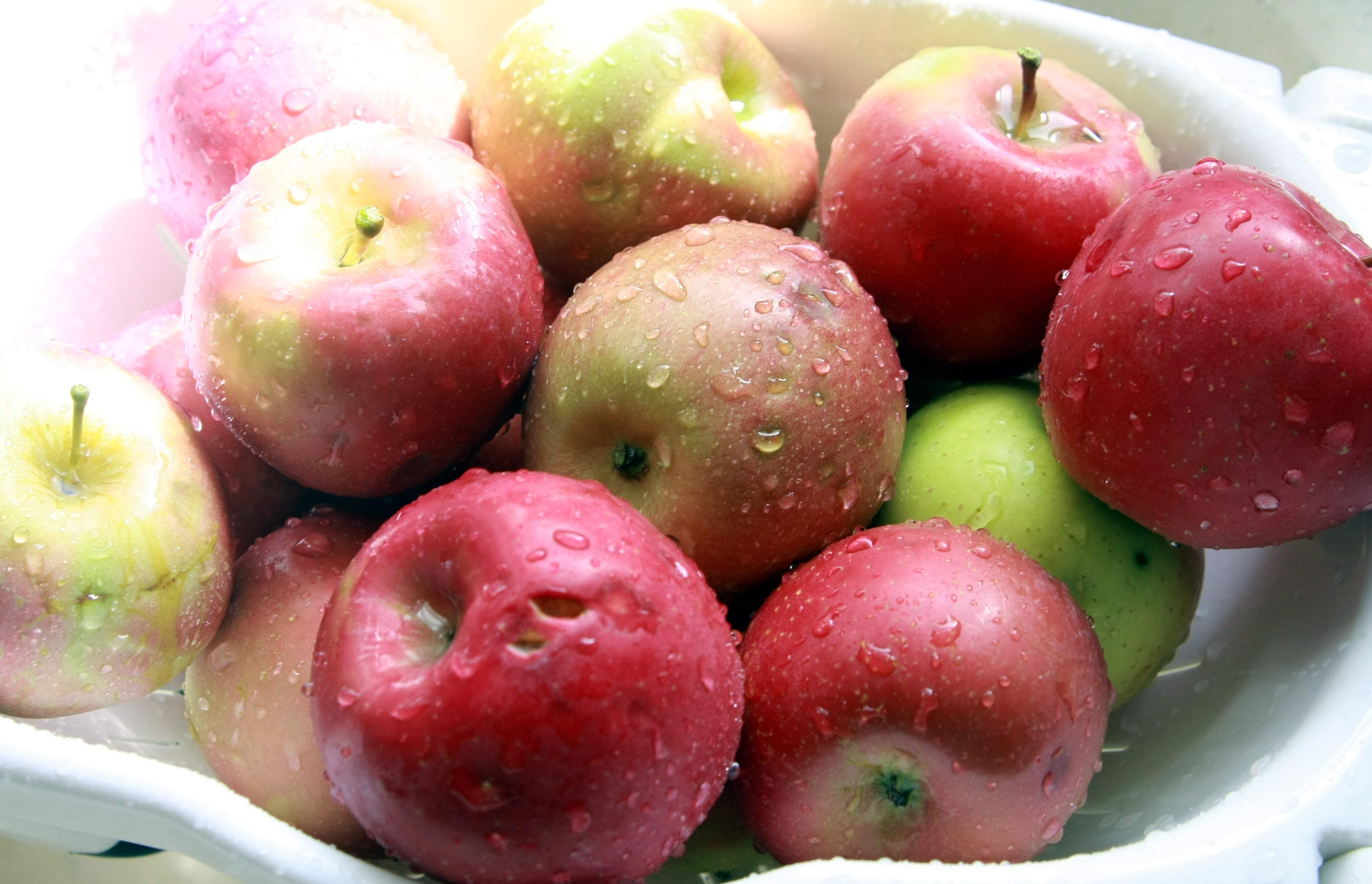 fresh, washed apples